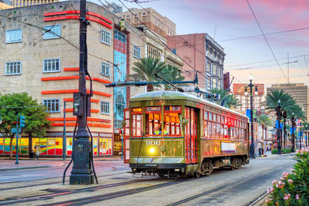 Streetcar in downtown New Orleans, USA at twilight Editöryel