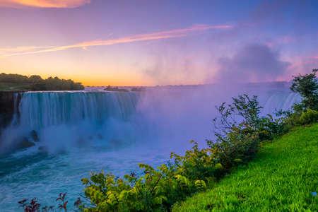 Niagara Falls waterfall view from Ontario, Canada Stockfoto