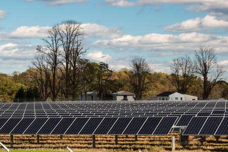 Renewable energy field replaces farm crops in Virginia