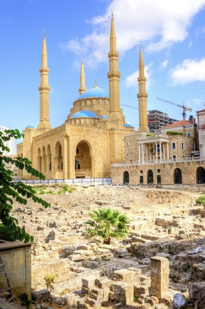 mohammad: Saint George Maronite Cathedral Mohammad Al-Amin Mosque Stock Photo