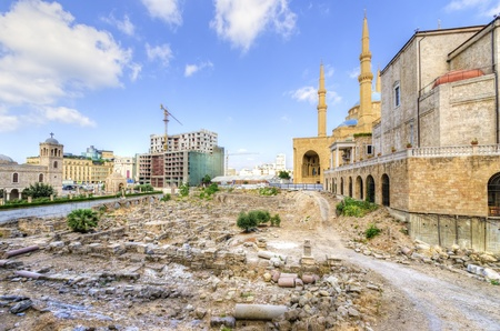 mohammad: A view of the Saint George Maronite Cathedral and the Mohammad Al-Amin Mosque at the historic centre of Beirut, in Lebanon  Beautiful and picturesque religious architecture in the centre of Beirut, Downtown