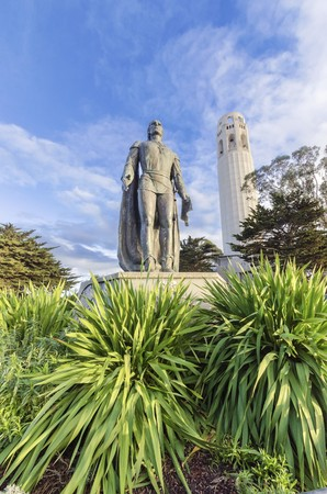 coit tower: Coit Tower, aka the Lillian Coit Memorial Tower on Telegraph Hill neighborhood of San Francisco, California, United States of America. A view of the flutted white tower and Christopher Columbus statue.