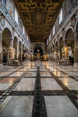 Roma, Italia - novembre 2018: Interno della Basilica di Santa Maria in Ara coeli Editoriali