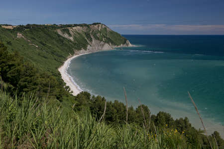The bay of Portonovo in the Conero Riviera, Italy Standard-Bild