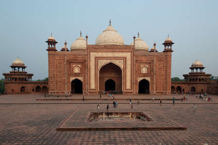 mughal: Mosque of the Taj Mahal, mausoleum erected by Shah Jahan, mughal Emperor
