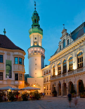 The main square in the old town of Sopron, important town in the western Transdanubia of Hungary. Редакционное