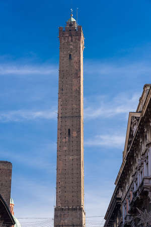 fortification: Torre degli Asinelli, one of the two towers, symbol of Bologna