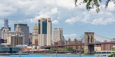 The skyline of Lower Manhattan seen from Brooklyn Imagens