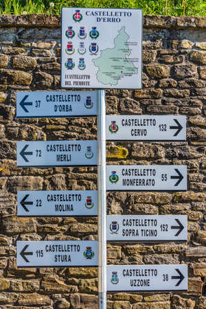 Sign of the villages called Castelletto in Piedmont, Italy Standard-Bild