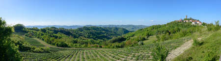 View over the green hills from Castelletto d'Erro, near Acqui Terme in Piedmont, Italy Standard-Bild