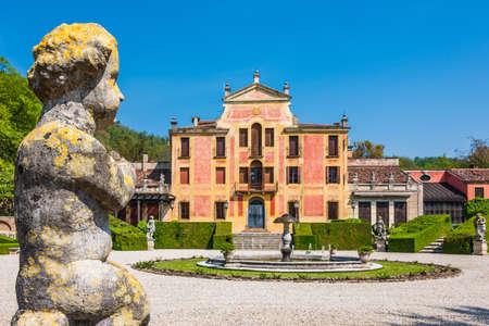 Villa Barbarigo is a 17th century rural villa built by the venetian family of the Barbarigo