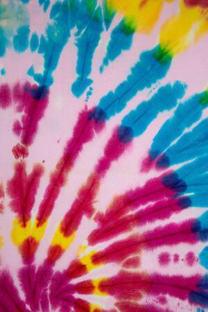 Tie Dye lebendiges und mehrfarbiges Farbverlauf , Hippie - Hemdmuster . abstrakte Stoffbeschaffenheit und Hintergrund.