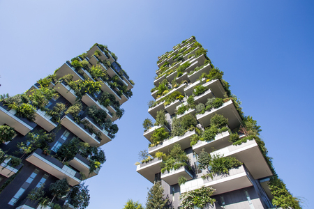 Bosco Verticale buildings in Milan, Italy 版權商用圖片 - 104423139