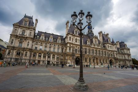PARIS, FRANCE, SEPTEMBER 6, 2018 - The Hotel de Ville, City Hall of Paris,  France. This building is housing the City of Paris's administration. Banque d'images - 133524694