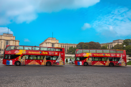 PARIS, FRANCE, SEPTEMBER 5, 2018 - View of Citysightseeing Bus in Paris, France, in a sunny day with blue sky. Standard-Bild - 133577671