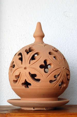 alfarero: L�mpara tradicional, hecho a mano de cer�mica de barro, Artesan�as de Sicilia