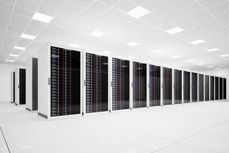hospedagem: Data Center com longa fila de servidores vista angular