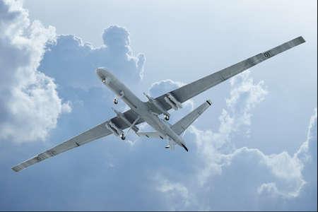 航空機: 雲底ビューで飛行ドローン