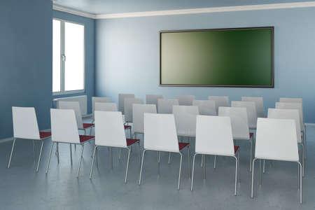 Zimmer mit Stühlen und grüne Tafel und Fenster Standard-Bild - 32751709