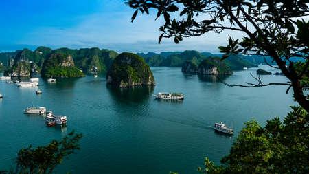 Vietnam Halong Bay boat tour landscape vie
