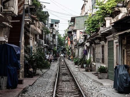 Vietnam Hanoi old Railway street Market 스톡 콘텐츠