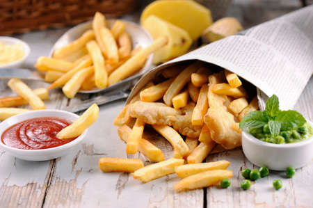 fish and chips: Homemade Fish & Chips dans le journal