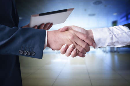 business handshake, businessmen shaking hands Foto de archivo