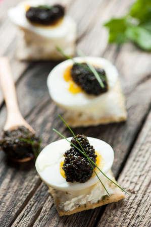 caviar: Caviar egg and crispy bread