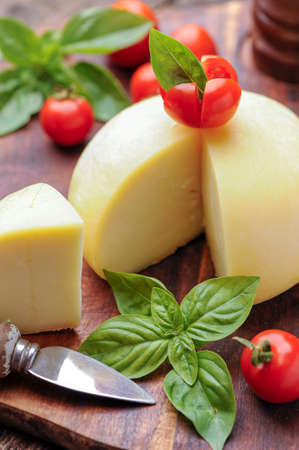 provola: cheese with tomatoes