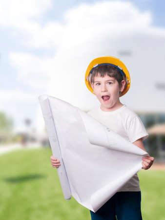 小さな少年の建築家 写真素材