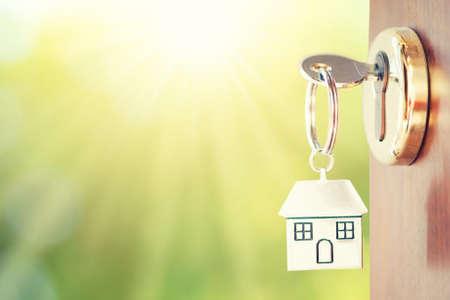 Huis sleutel in de deur