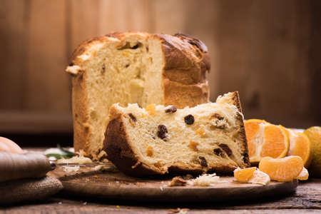 이탈리아 크리스마스 케이크입니다. 집에서 만든 Panettone
