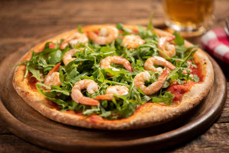 Pizza with prawn and soft cheese close up 版權商用圖片