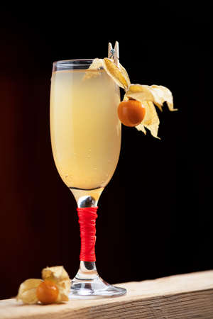 Bellini Champagne Cocktail close up 版權商用圖片