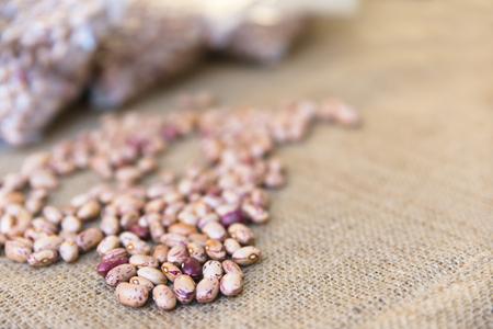 fondos violeta: lamon haya en la venta a granel en el mercado