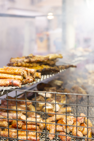 stinks: cooked pork and prepared on the grill