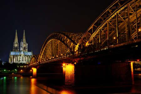 dom: Koln Dom et Hauptbanhof