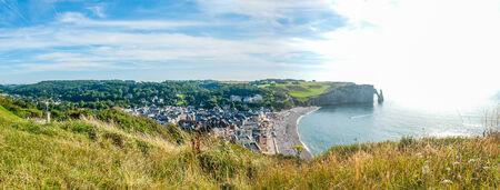 Vie de la côte rocheuse et la baie d'Etretat, en Normandie, France, Europe Banque d'images