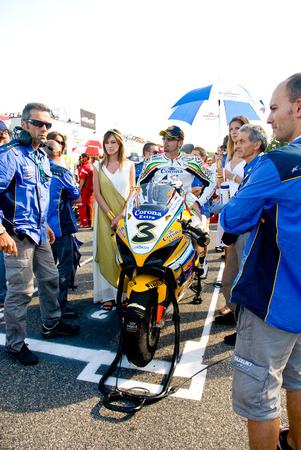 superbike: ROME, ITALY - SEPTEMBER 30 2007. Superbike championship, Vallelunga circuit. Max Biaggi on the grid waiting for race start