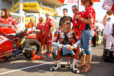 superbike: ROME, ITALY - SEPTEMBER 30 2007. Superbike championship, Vallelunga circuit. Troy Bayliss on the grid waiting for race start