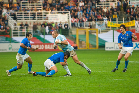 argentinian: ROME, ITALY - NOVEMBER 18 2006. Rugby test match Italy-Argentina.  Italian and argentinian players in action during the match