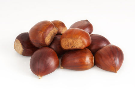 marron: Small group of brown chestnuts, overlaid on white background