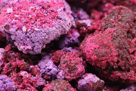 industria quimica: Estructura cristalina de close-up de color rojo