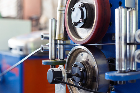 ferreteria: Dentro de la antigua fábrica de fabricación de cable eléctrico. Foto de archivo