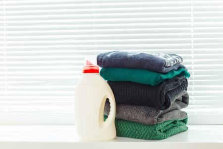 pure kleding met afwasmiddel