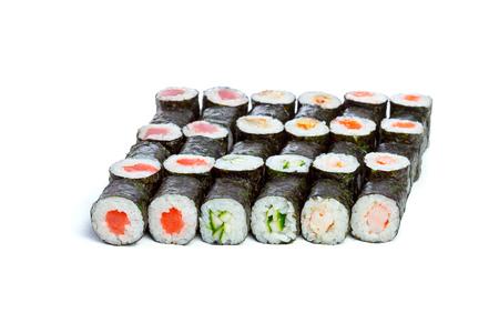 sake: Colección de piezas de sushi, sobre un fondo blanco Foto de archivo