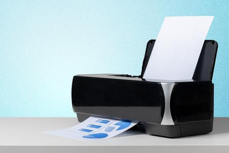 Printer op wit bureau