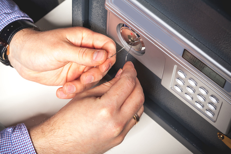 loophole: Security Breach - Safe Picking Concept