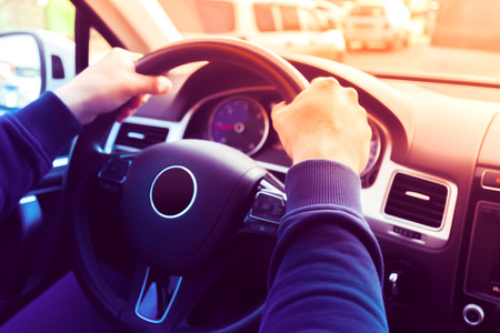 Besturen van een auto  stuurwiel