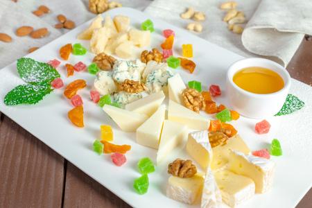 チーズプレート 写真素材 - 86150163